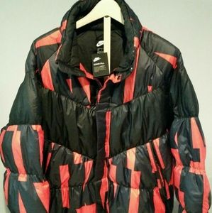 NWT Men's Nike Down Filled Jacket size XL